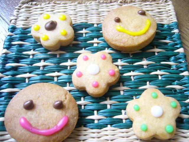 お花とニコニコクッキー